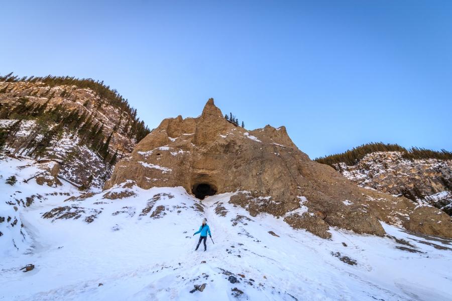 Lou Hoodoo cave
