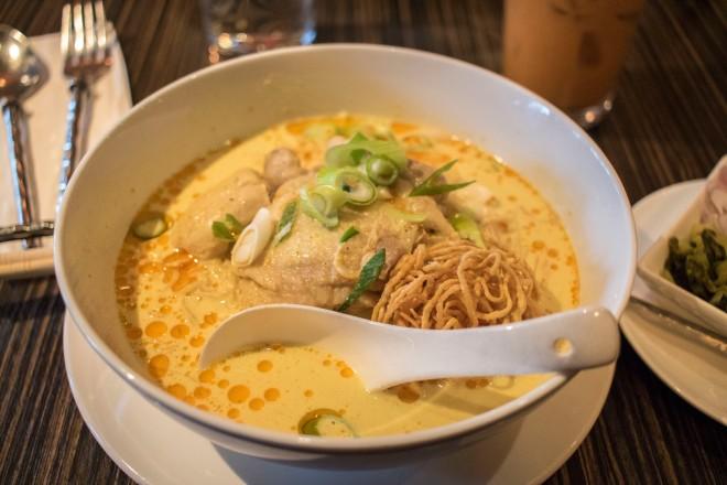 Thai food Calgary curry