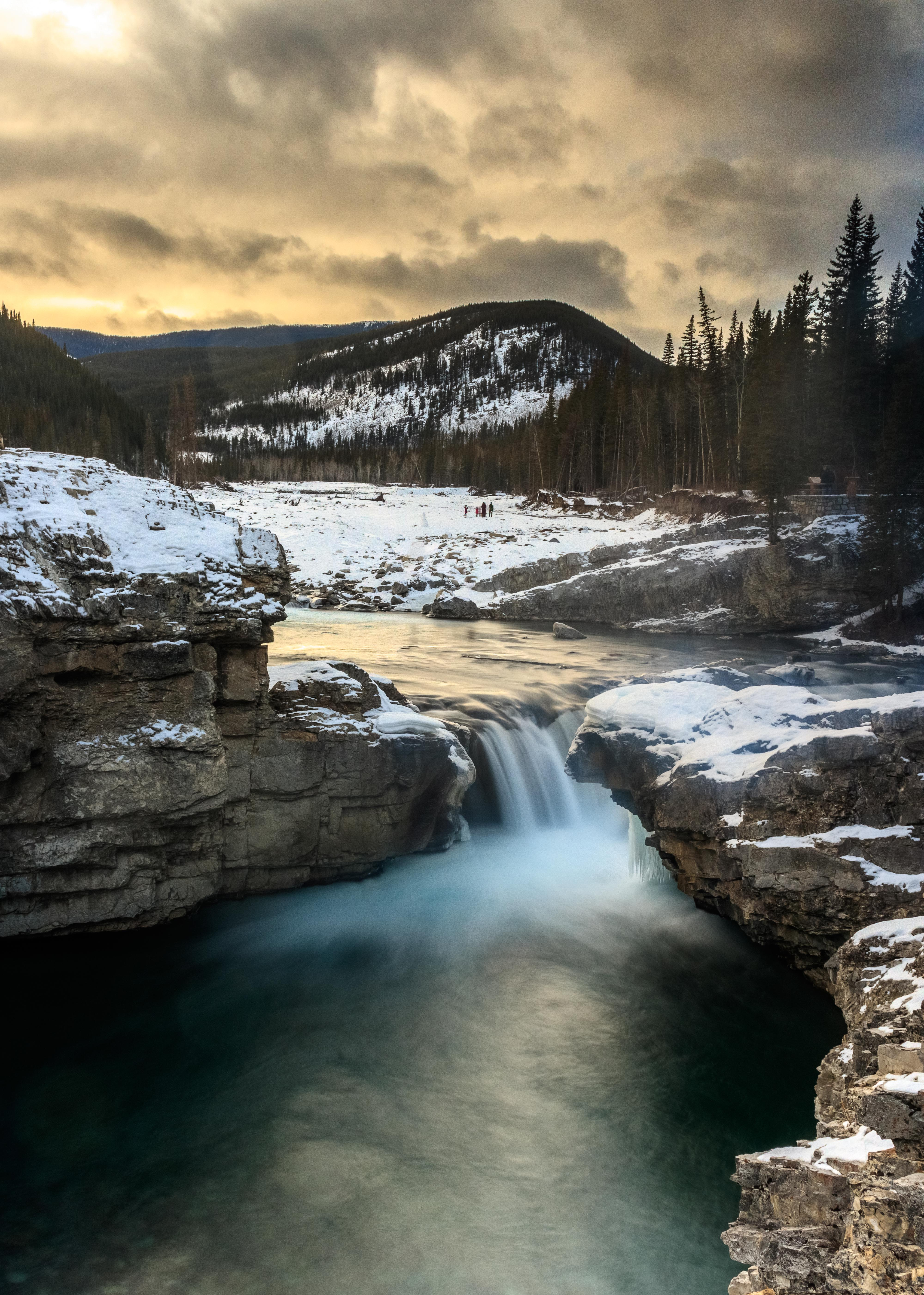 elbow falls zoomed out long exp